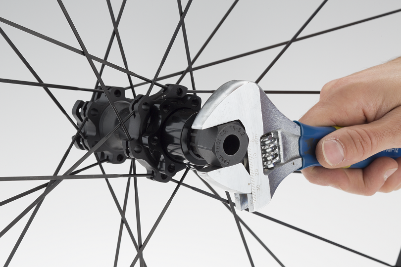 2. The XD driver nut threads on using common SRAM / Shimano cassette lockring tools